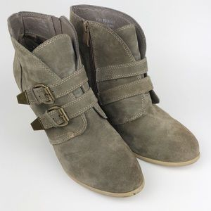 Very Volatile Zulfi Ankle Boot Wedges